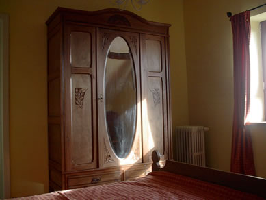 chambre proven ale une nuit avec les cigales. Black Bedroom Furniture Sets. Home Design Ideas